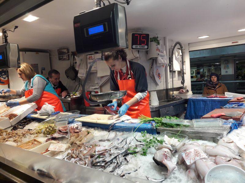 Rybí trh v Mercado Gran Via, Zaragoza