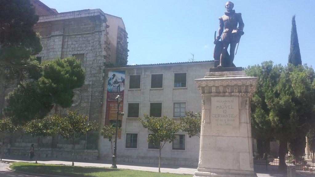 Socha spisovateľa Miguela Cervantesa vo Valladolide
