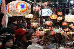 Vianočné trhy Zaragoza orientálne lampy