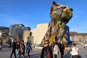 Puppy pred Guggenheim muzeom