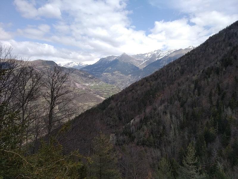 Vyhlad na velhory Pyreneje