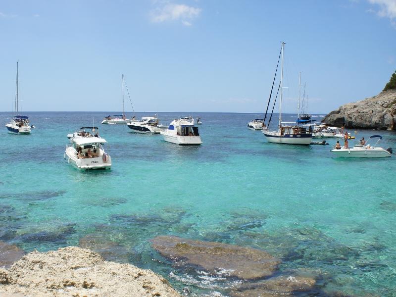 Baleárske ostrovy: Malorka, Menorka, Ibiza a tyrkysové more