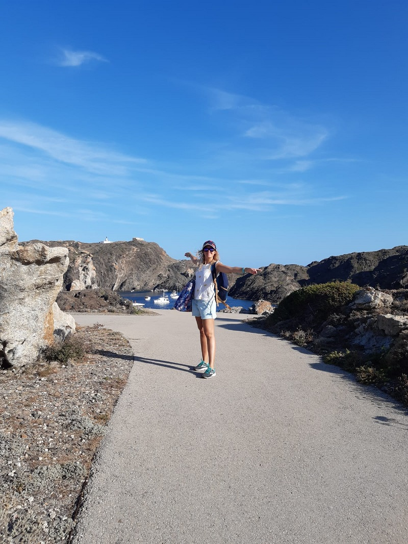 Asfaltova cesta az k plazi Cala de Culip Cap de Creus