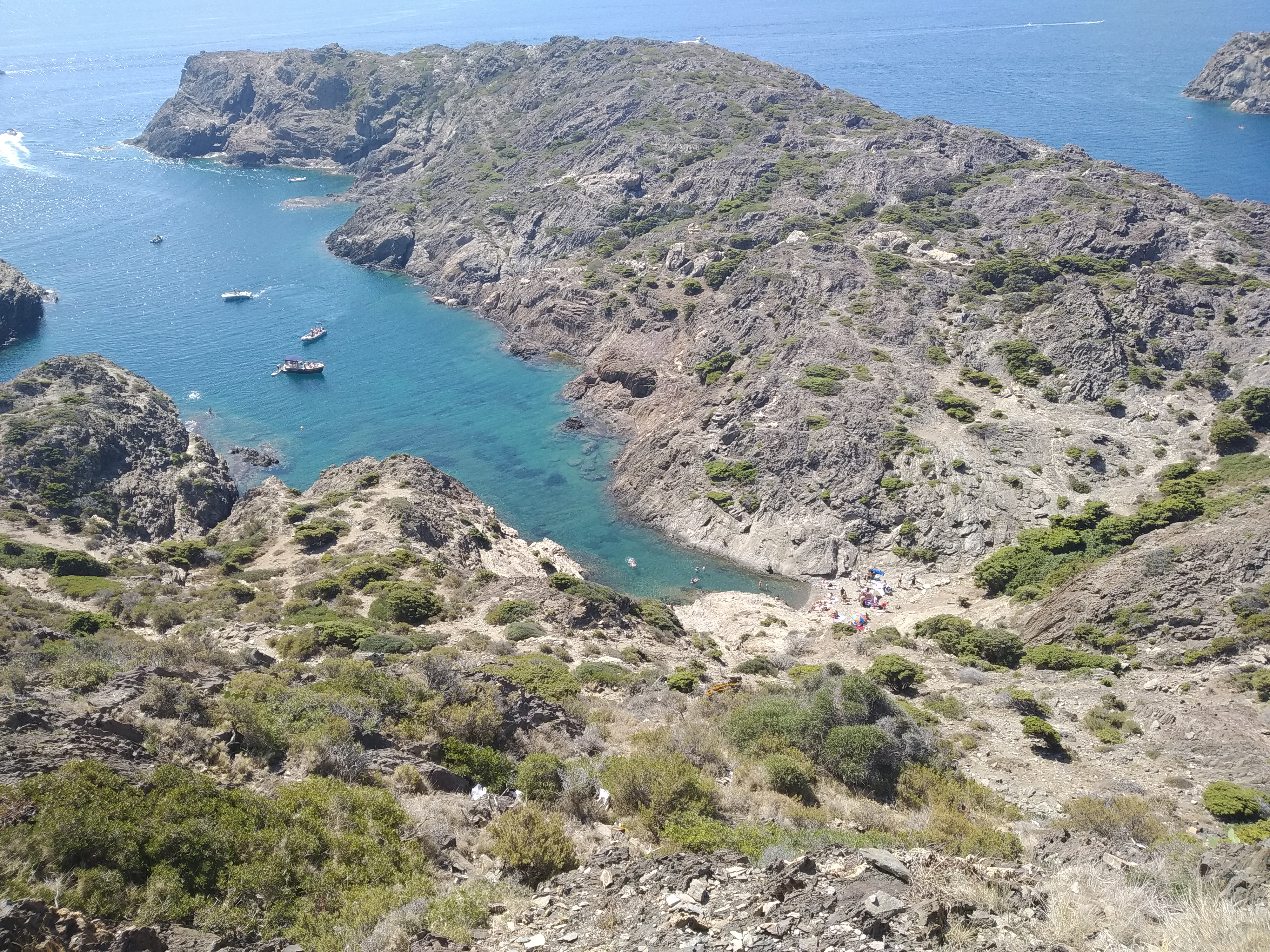 Pohlad na zatoku Cala Fredosa Cap de Creus