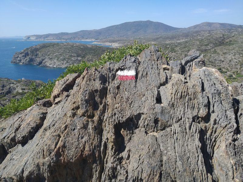 Turisticky chodnik k zatoke Cala Fredosa
