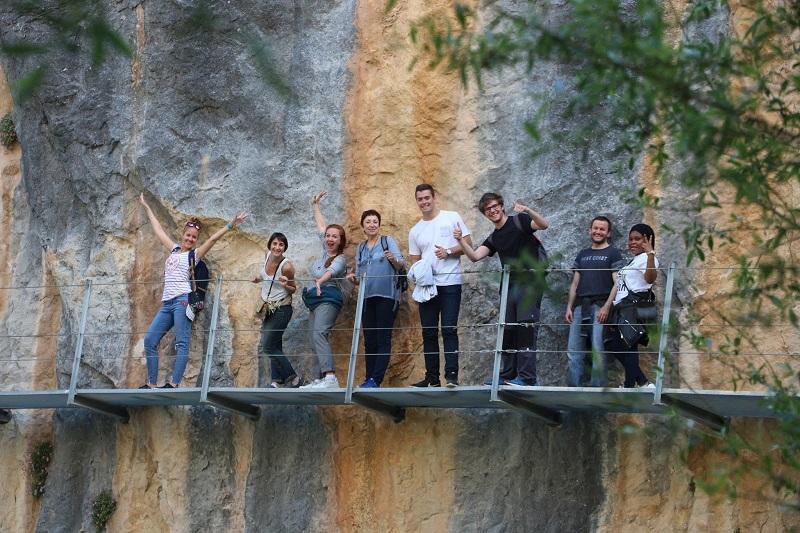 spoluziaci z jazykovej skoly v Zaragoze Alquezar