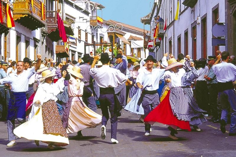 """Oslavy patrónky ostrova Gran Canaria """"Fiesta del Pino"""""""