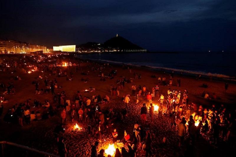 "Svätojánska noc na Malorke ""La noche de San Juan"""