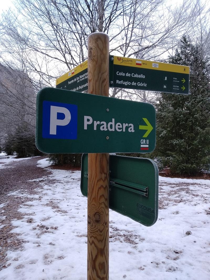 Už len pár metrov a opäť prichádzame na parkovisko Pradera