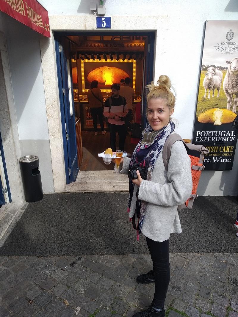 Portugalská špecialita Pastel de Bacalhau s portským vínom