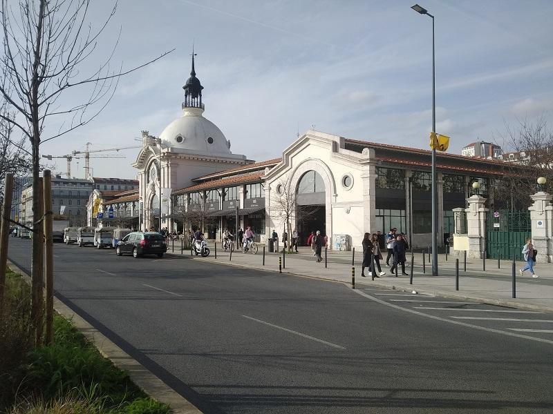 Tržnica Mercado de Ribeira v Lisabone